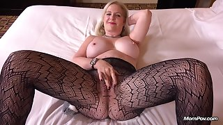 Horny MILF Anita 48 Year Old Politicians Wife Wants Sex