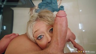 Overambitious cock sucking and hardcore pussy fuck with Dee Williams